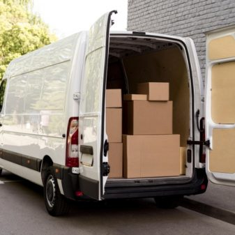 car-with-delivery-packages_23-2148590748